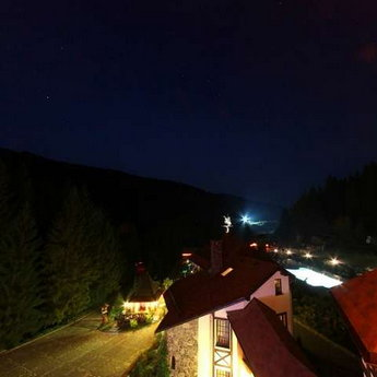 Night View of the Carpathians from the balcony of the apartment Vezha
