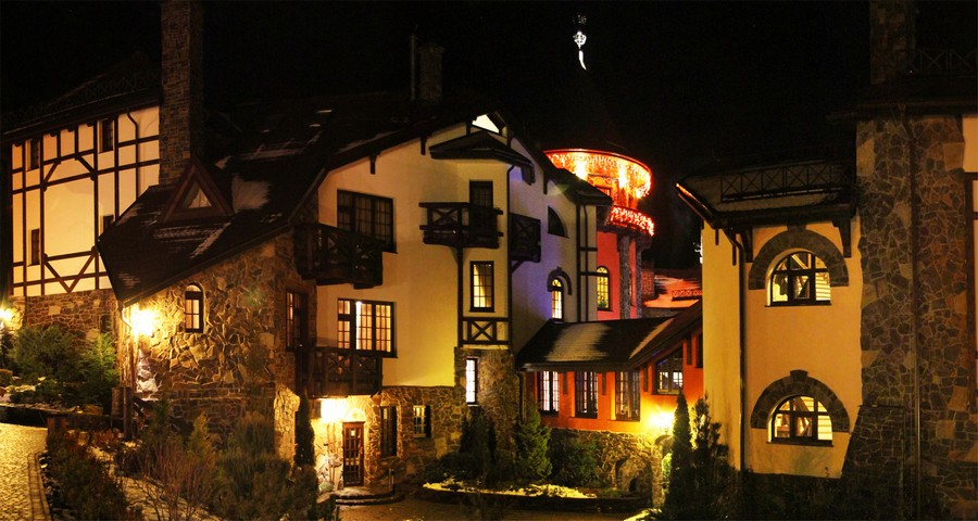 Evening facade at Vezha Vedmezha in the Carpathians