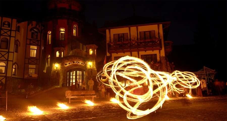 Танці з вогнями, яскравий корпоративний відпочинок