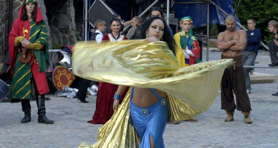 Східні танці, белле данс в Карпатах, яскраві корпоративи