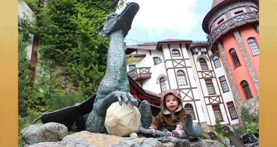 Дитячий відпочинок в казковому готелі-замку