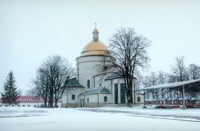 монастир в карпатах зимою