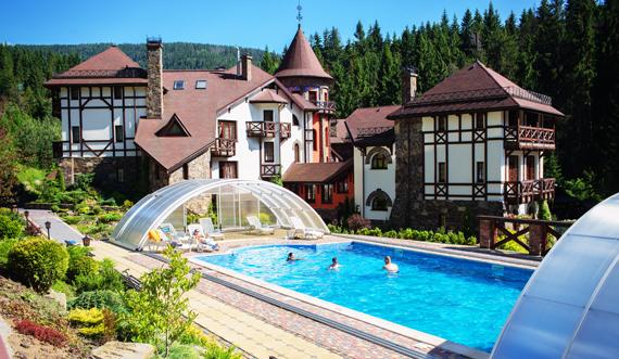 відпочинок в карпатах у готелі з басейном