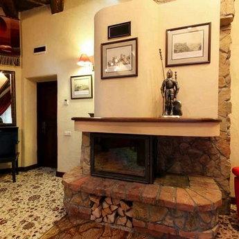 VIP-відпочинок в Карпатах, апартаменти Вежа з каміном, перший поверх