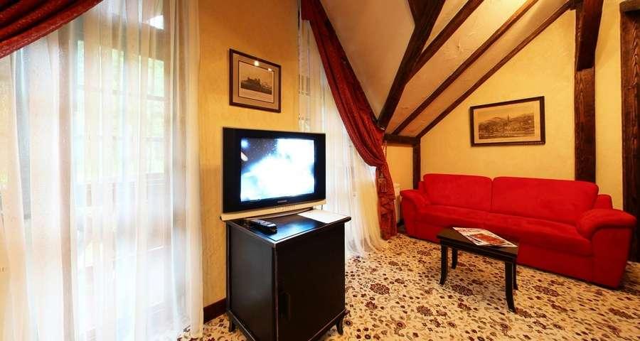 Перший поверх апартаментів Вежа, найкращий відпочинок в Карпатах