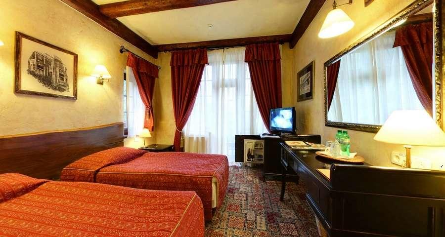 Двомісний стандарт з окремими ліжками №102