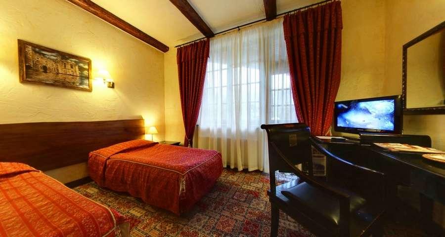 Двомісний стандарт з окремими ліжками №106