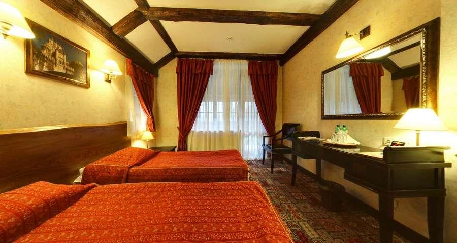 Двомісний стандарт з окремими ліжками №201