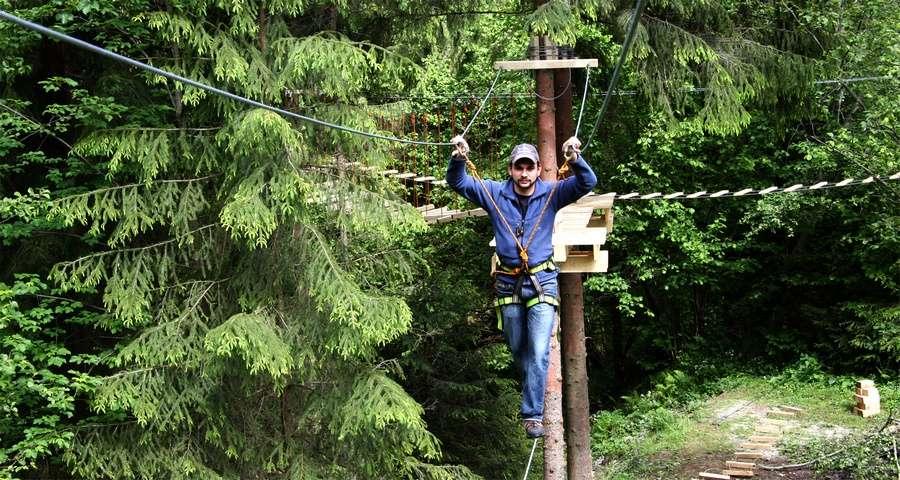 Мотузковий парк Ведмежа Лазанка - найбільший мотузковий парк України