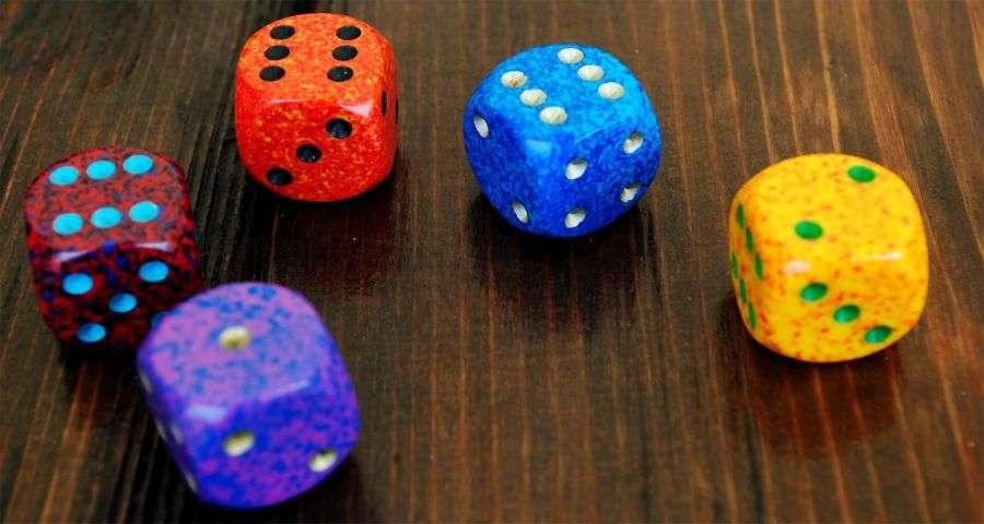 Кості - ігри дозвілля в готелі Вежа Ведмежа