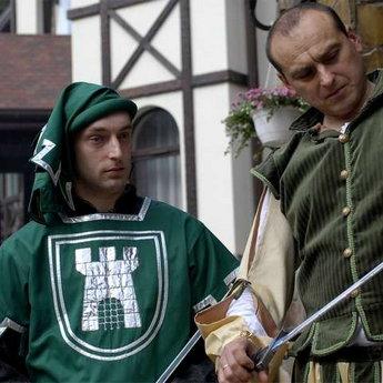 Середньовічні чоловічі костюми