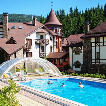 Hotel with outdoor pool in the Carpathians, Vezha Vedmezha