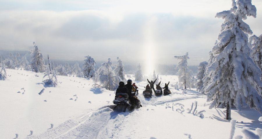 Поїздки на снігоходах по зимових Карпатах