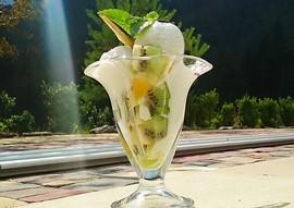 Морозиво з фруктами