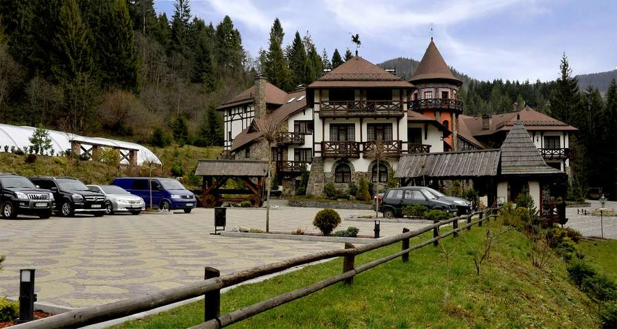 Parking at Vezha Vedmezha, Carpathians