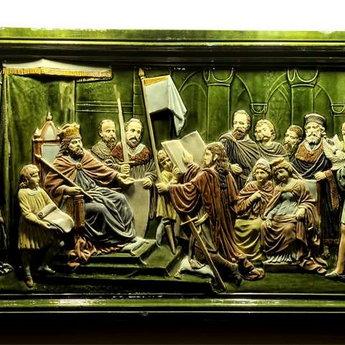 Керамічна картина - середньовічний володар