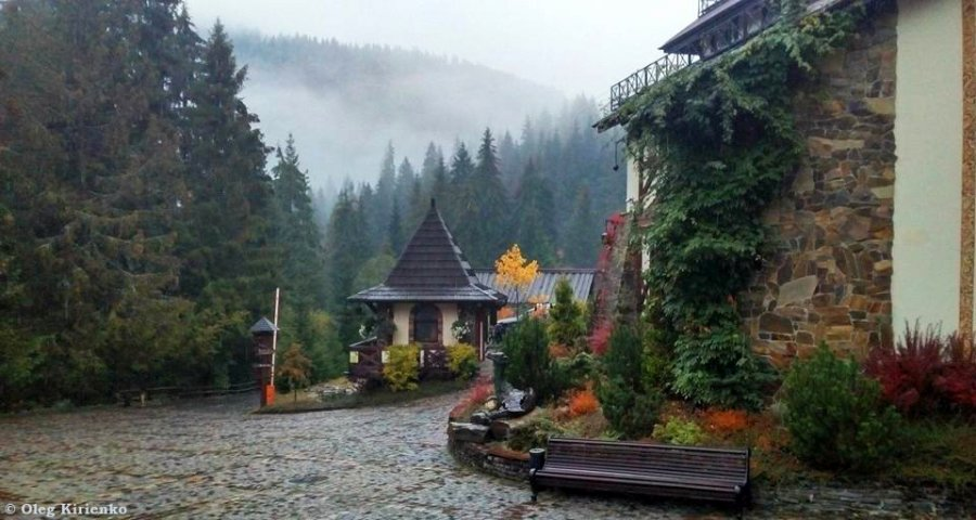 Найкращий осінній відпочинок в Україні у готелі в Карпатах 2019