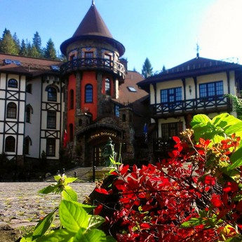 Designated luxurious relaxation in the autumn in Ukraine in the Carpathian region