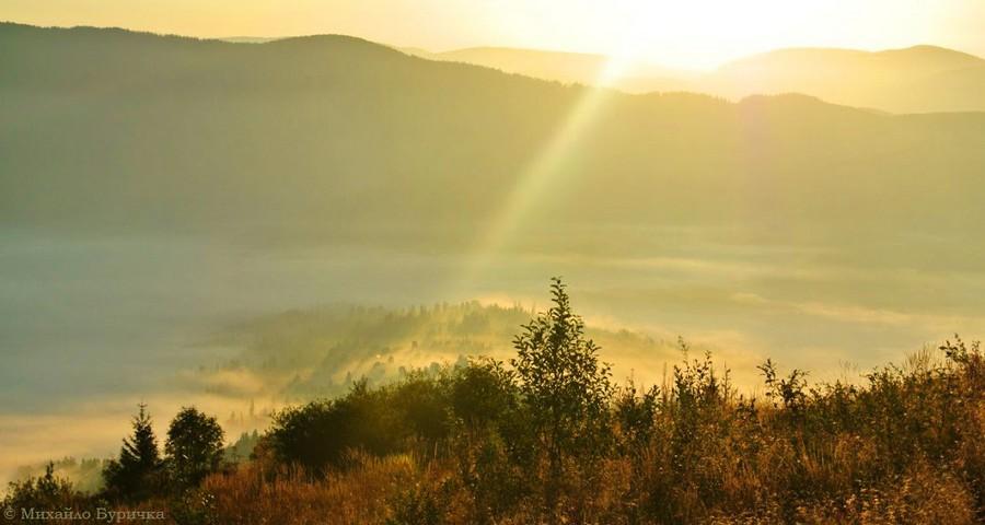 September sunrise at Vysoky Verkh Mount (Volosyanka, Carpathians - Transcarpathian)