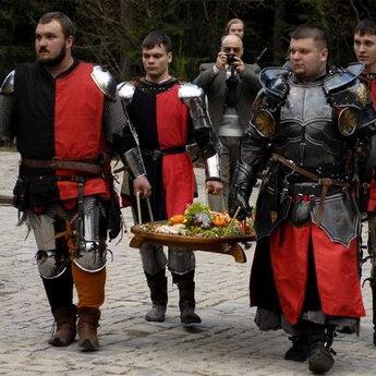 Лицарські забави у Вежі Ведмежій