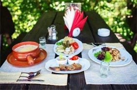 літні альтанки, мангал і барбекю шашлик у Карпатах