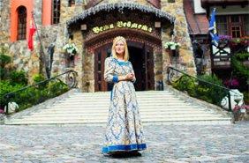 примірка середньовічних костюмів для жінок, чоловіків і дітей