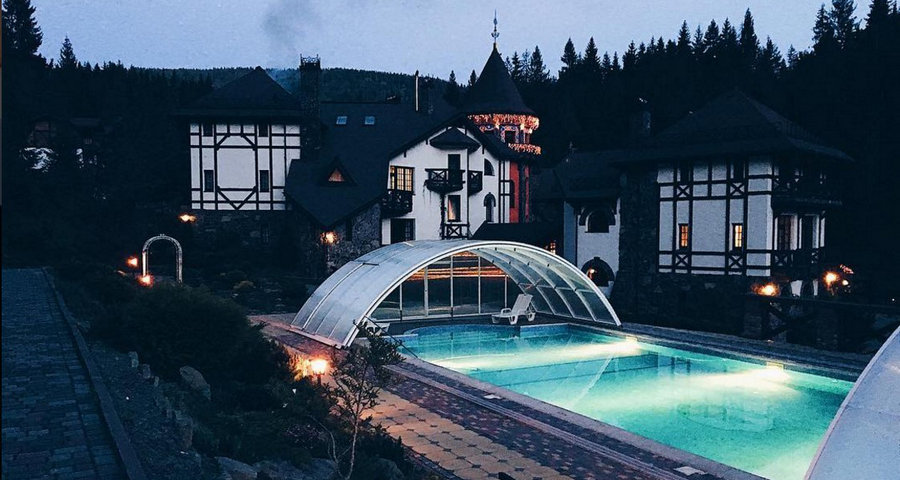 Найкращі готелі Карпат з басейнами 2019