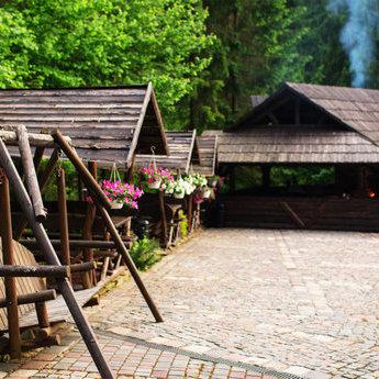 Мангал та альтанки для літньго відпочинку в ресторані у Карпатах 2019