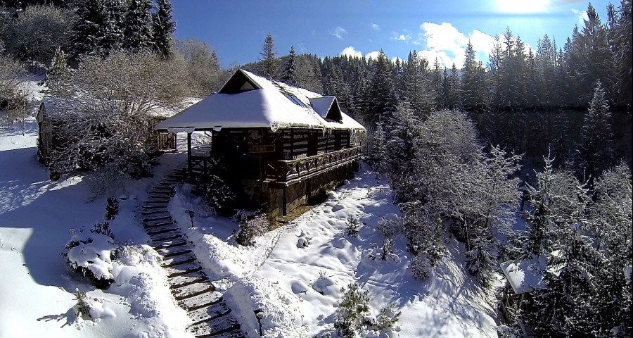 The best sauna in the Carpathians - in Volosyanka! Winter view from above