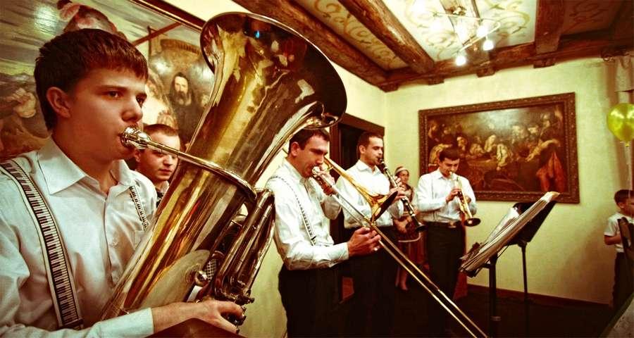 Новий рік у Вежі Ведмежій - це вишукана музична програма