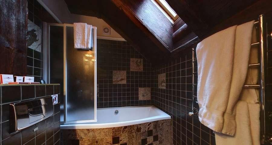 Bathtub of apartments Vezha