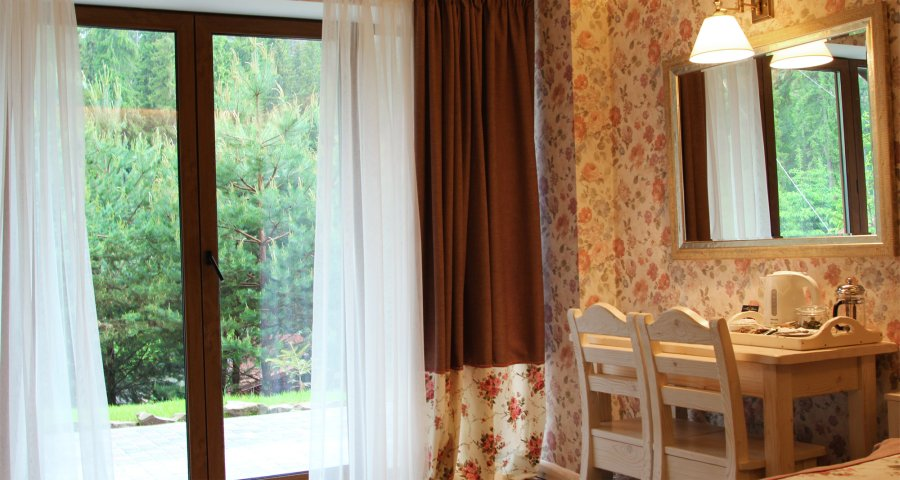 Suites in the cottage near Vezha Vedmezha Hotel