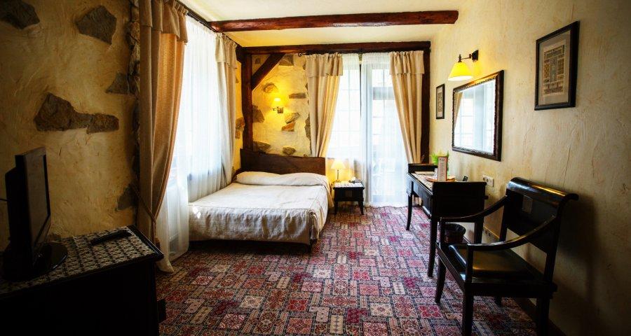 Двомісний стандарт з двоспальним ліжком №001