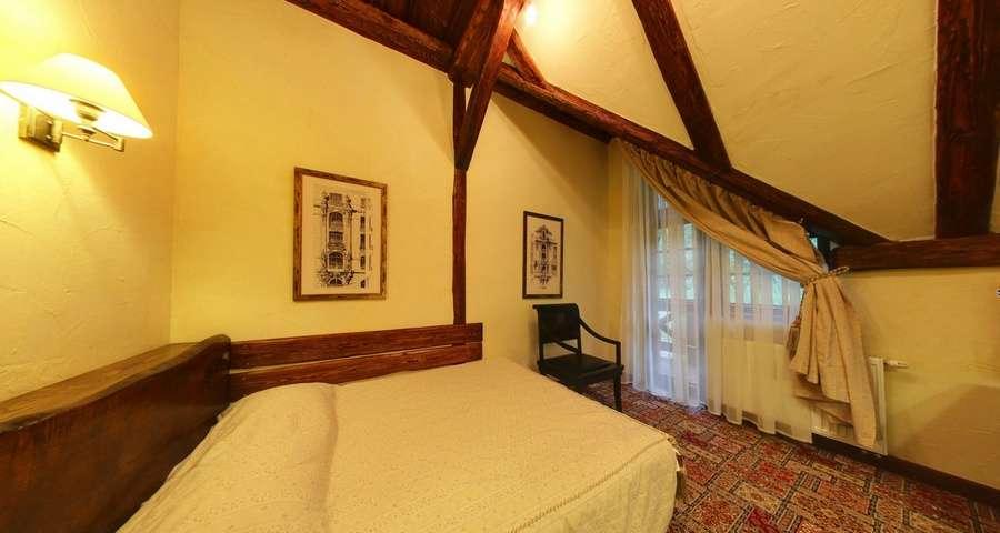 Двомісний стандарт з двоспальним ліжком №305