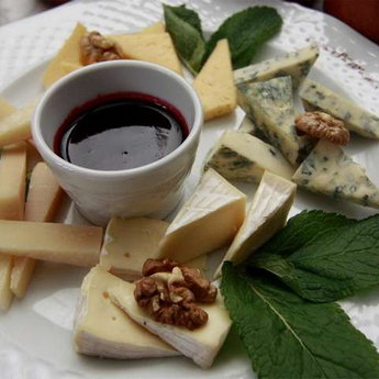 Luxurious cheese with sauce