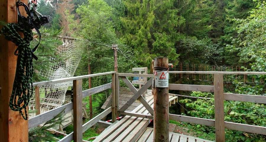 Мотузковий парк готелю Вежа Ведмежа Ведмежа лазанка