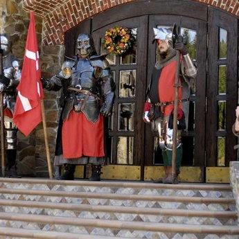 Середньовічні лицарі, Вежа Ведмежа