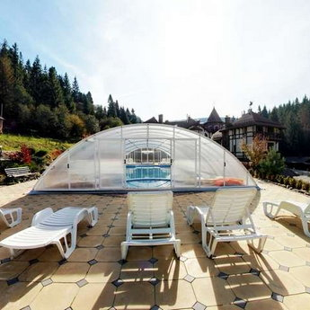 The swimming pool in the Carpathians, Mid-Autumn, Vezha Vedmezha Hotel