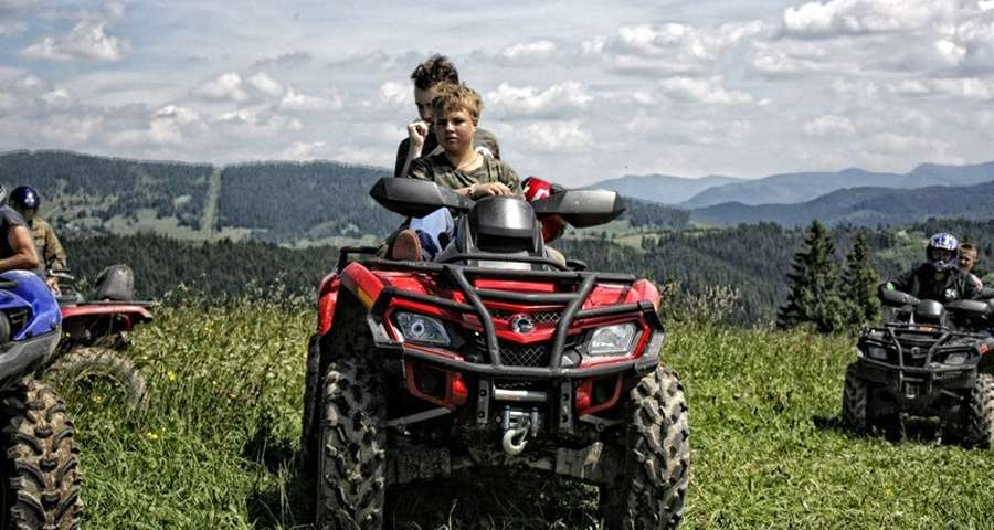 Travelling on quadrocycles in the Carpathians