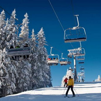Skiing, snowboarding and other fun skiing in the Carpathians