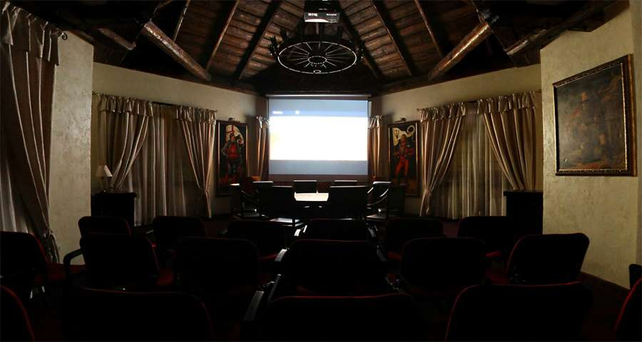 Cinema in the Carpathians, Vezha Vedmezha Hotel